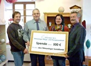 Scheckübergabe an Tittmonings Bürgermeister Konrad Schupfner