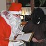 Ministranten und Nikolaus besuchen den Birkenhof