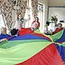Wacker-Azubis verbringen einen Tag mit Senioren