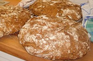 Brotbacken im Seniorenzentrum Bayerisch Gmain am 11. August 2014