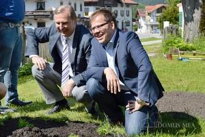 Bürgermeister Josef Lechner und Herbaria-Geschäftsführer Erwin Winkler
