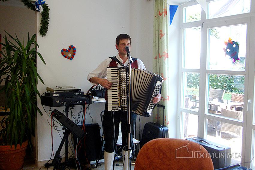 Tittmoninger Oktoberfest Für Senioren Domus Mea