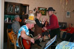 Senioren feiern ein Fachingsfest in Bad Reichenhall