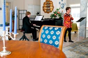 Pianist Sergey Markin und Sopranistin Hildegard Zimmermann im Blauen Salon, Bayerisch Gmain