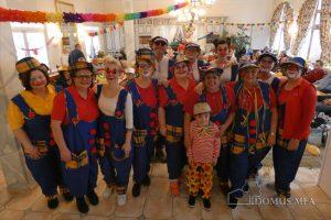 Betreuungsclowns sorgen für Unterhaltung im Pflege- und Therapiezentrum Bayerisch Gmain