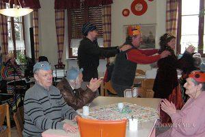 Faschingspolonaise im Seniorenheim