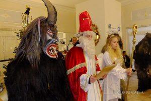 Nikolaus, Krampusse und Engel