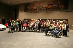 Das Seniorenzentrum Bayerisch Gmain besuchte mit Bewohnern das Hans-Peter Porsche TraumWerk in Anger