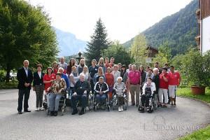 Azubis und Studenten von Wacker Chemie AG besuchten Senioren in Bayerisch Gmain